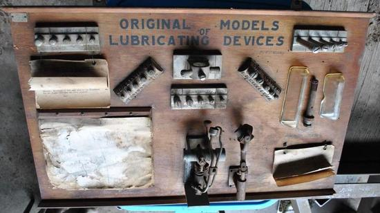 RARE Lubricator Display