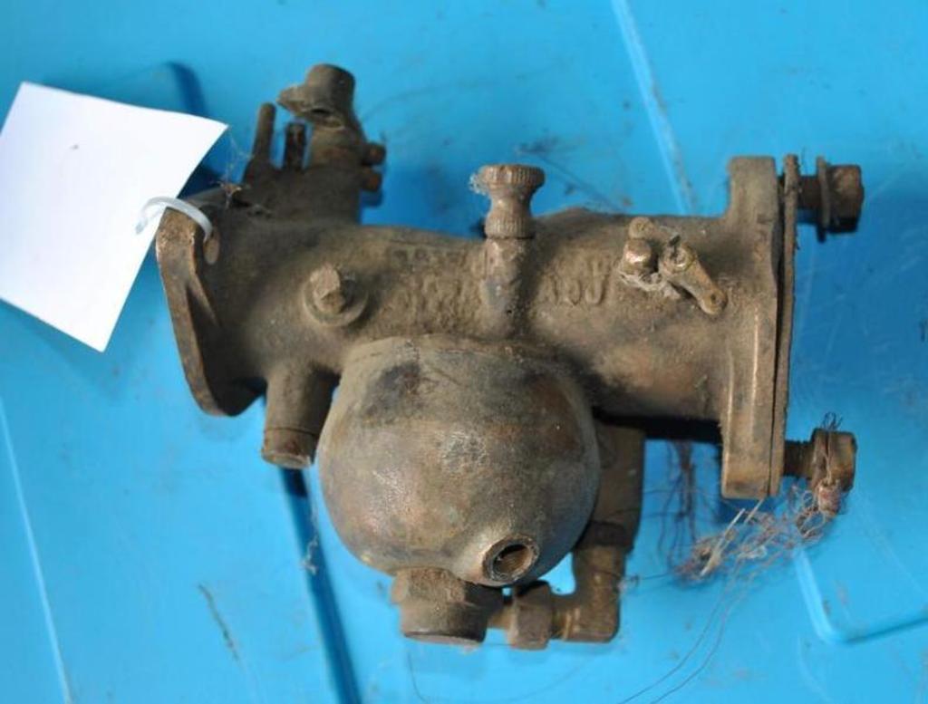 John Deere Carburetor
