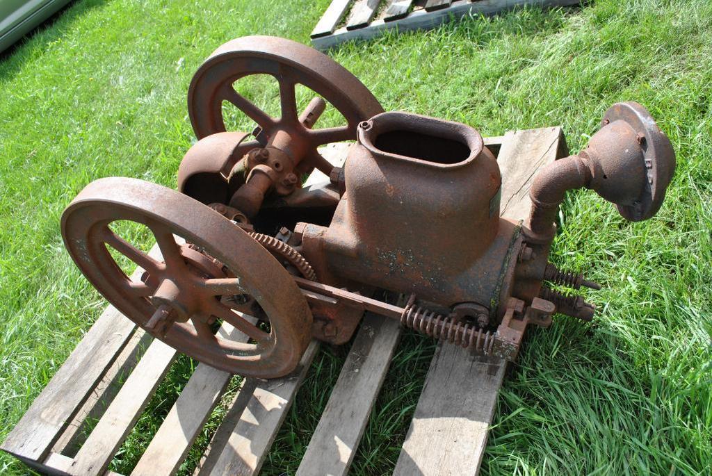 2.5HP La Crosse Plow Co. Stationary Engine
