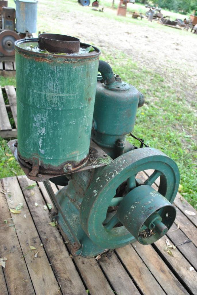 4HP Lister Stationary Engine