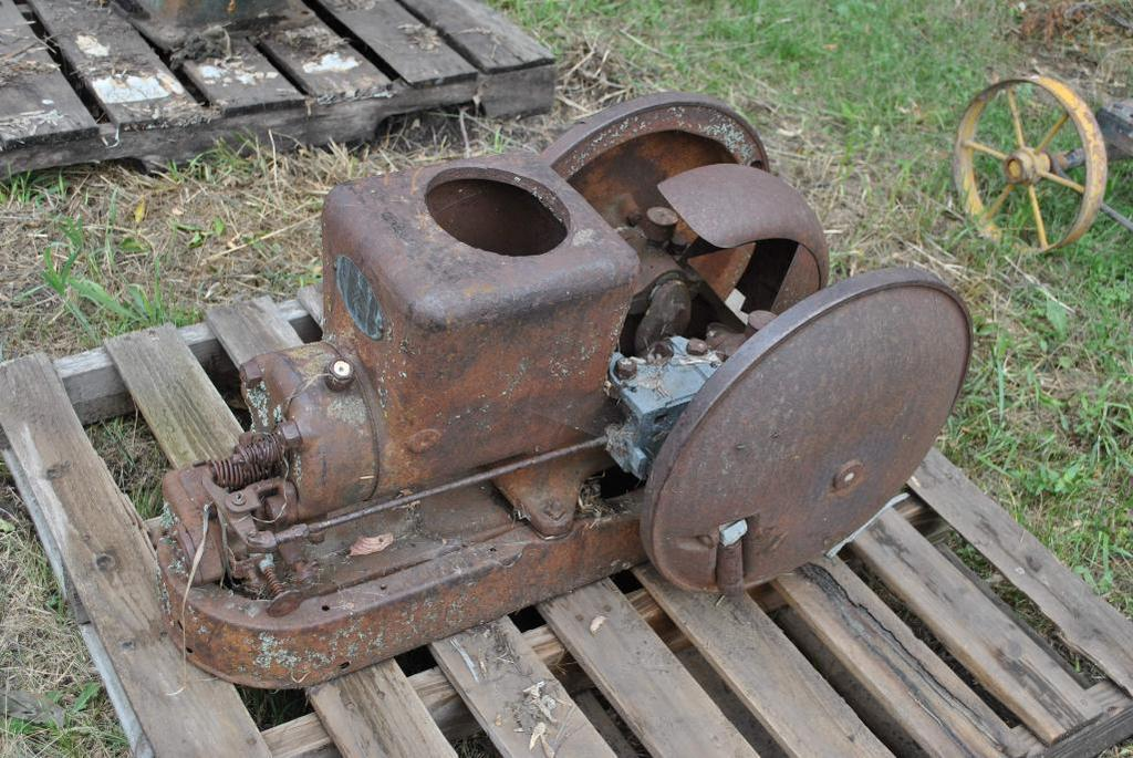 2HP Fairbanks & Morse Stationary Engine
