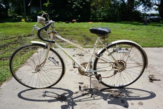 RARE Ladies John Deere Bicycle