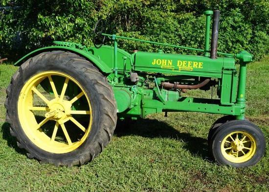 John Deere B