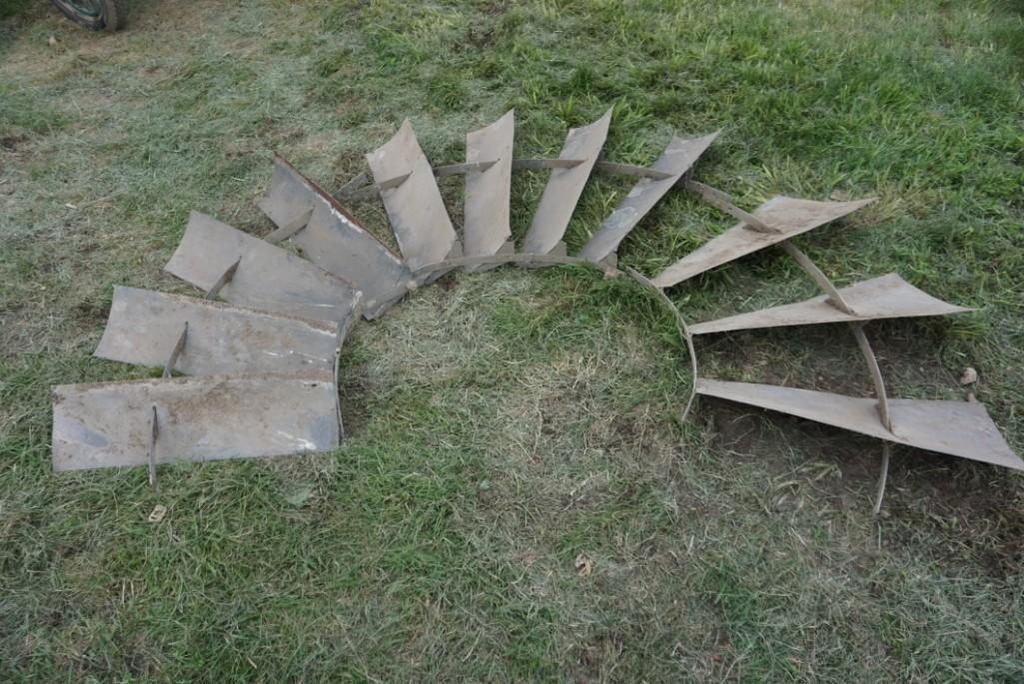 Assorted Windmill Blades