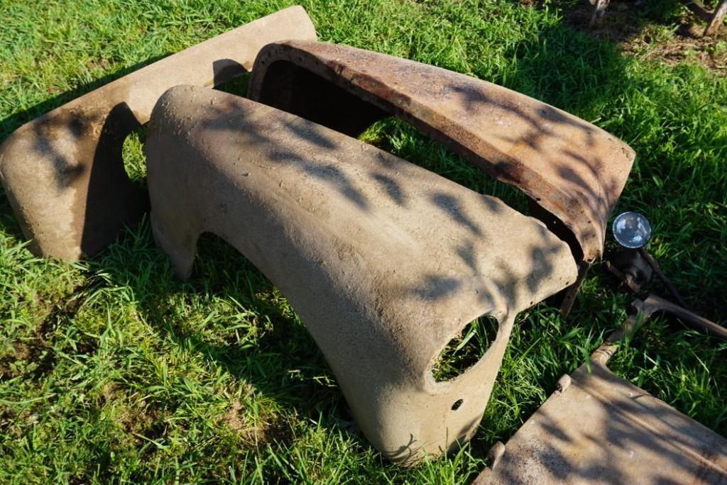 1950?s Chevrolet Fenders & Other Assorted Parts