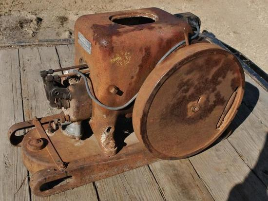 IHC LA Stationary Engine
