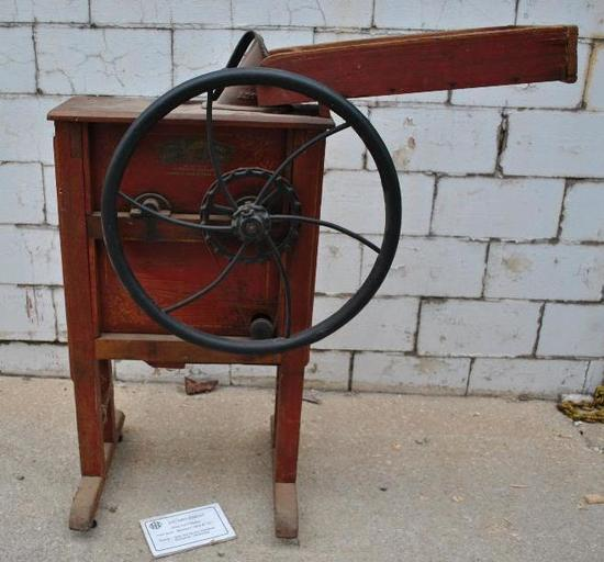 IHC Keystone Corn Sheller