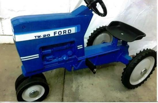 Ford TW 20 Pedal Tractor