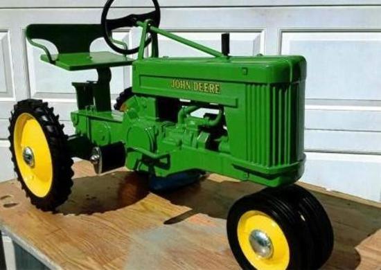 John Deere 60 Pedal Tractor