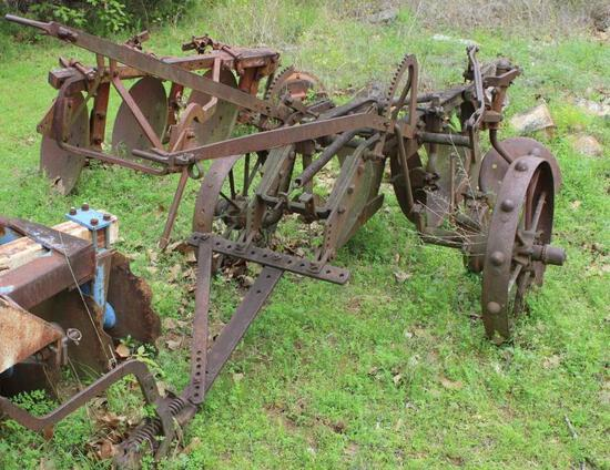 Two Bottom Case Mechanical Trip Plow
