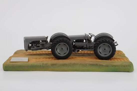 1/16 Universal Hobbies Ferguson Duel Drive TED-40 Conversion Tractor