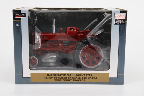 1/16 Spec Cast Highly Detailed International Harvester 300 LP-Gas Wide Front Tractor
