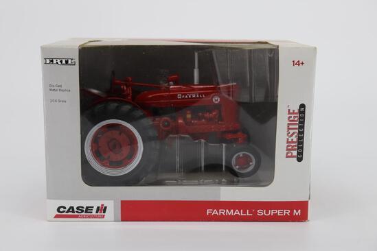 1/16 Ertl Prestige Collection Farmall Super M