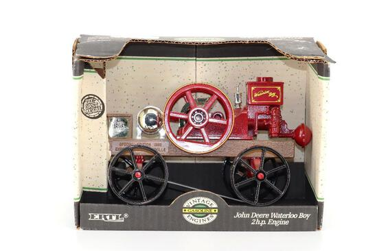ERTL 1/8 John Deere Waterloo Boy 2 HP Engine