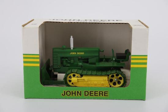 1/16 Spec Cast John Deere MC Crawler with Steel Tracks