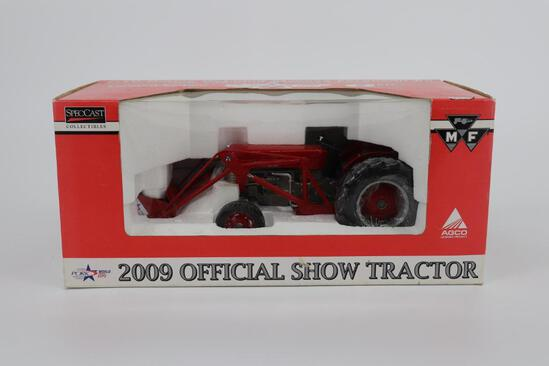 1/16 Spec Cast Highly Detailed Massey Ferguson 65 with No. 38 Utility Loader - Limited Edition