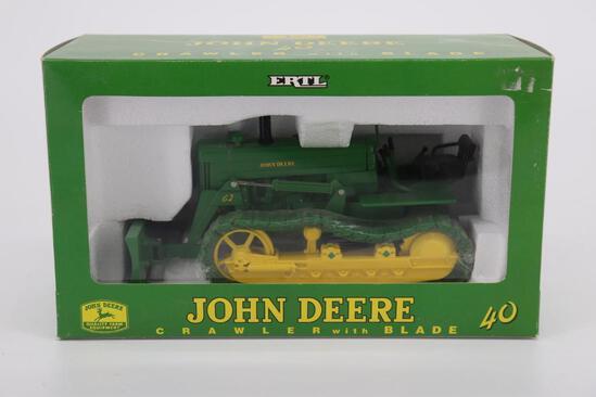 1/16 Ertl John Deere 40 Crawler with Blade