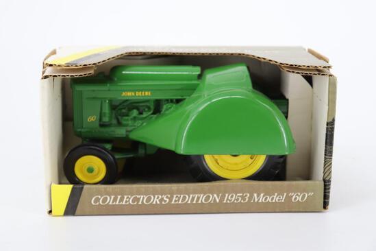 1/16 Ertl John Deere 1953 Model 60 Orchard Tractor
