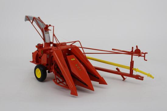 1/16 Spec Cast Highly Detailed Fox 3000 Forage Harvester with Corn & Hay Head