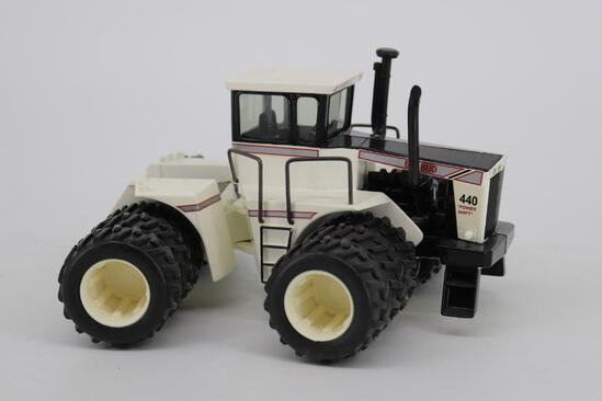 1/32 Ertl Toy Farmer Big Bud 440 Tractor