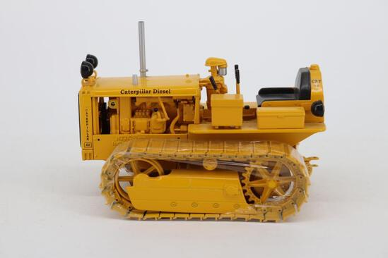 1/16 Spec Cast Antique Caterpillar Machinery Owners Club D2 Track-Type Tractor
