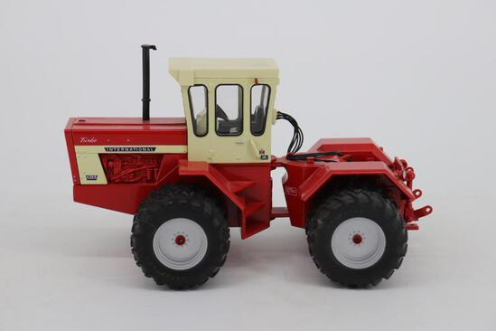 1/32 Ertl Toy Farmer International 4366 - Vintage 4WD 2006 National Farm Toy Show