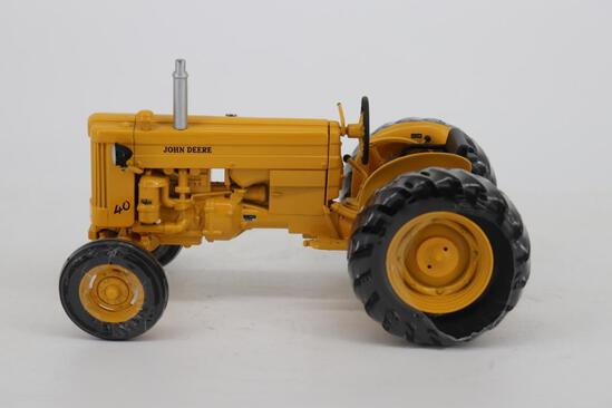 1/16 Ertl Two-Cylinder Club Industrial Model Tractor Series - John Deere 40 Utility Tractor