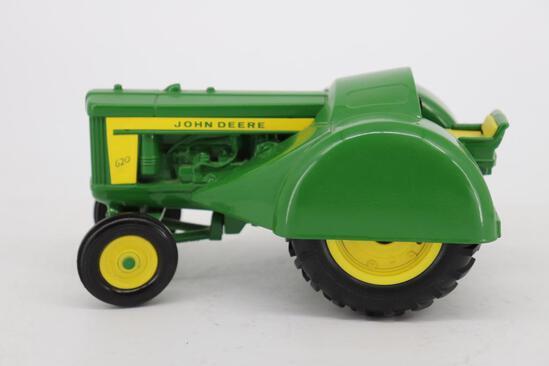 1/16 Ertl John Deere 620 Orchard Tractor - Two-Cylinder Club Expo III 1992