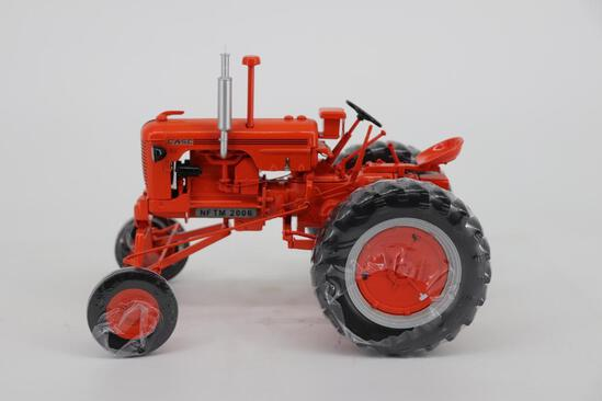 1/16 Spec Cast Classic Series Case High Crop DCS - 2006 Official Farm Toy Museum Collectors Tractor