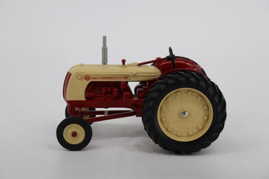 1/16 National Farm Toy Museum Cockshutt 50