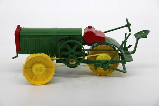 "1/16 Spec Cast John Deere All Wheel Drive Tractor ""Dain"""