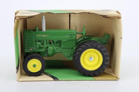 1/16 Ertl Collectors Edition Series III John Deere Model M Tractor