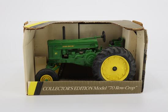 1/16 Ertl 1953 John Deere Model 70 Row-Crop Tractor