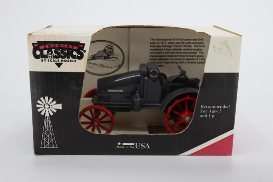 1/16 Scale Models 8-16 International (Gray) Kerosene Tractor