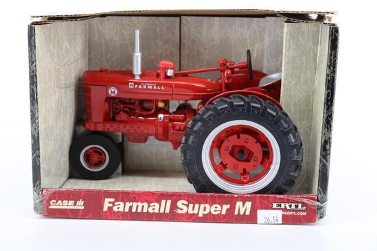 1/16 Ertl Farmall Super M