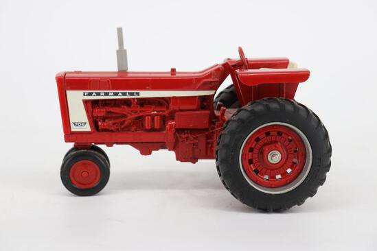 1/16 Farmall 706 Diesel Tractor