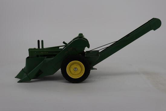 1/16 John Deere Model A with Man and Mounted Corn Picker