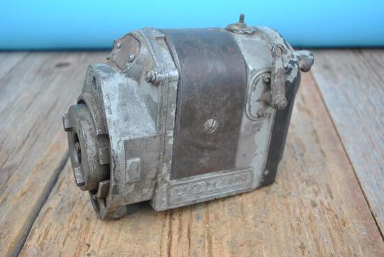 Eisemann 2 Cylinder Cat Pony Motor Magneto