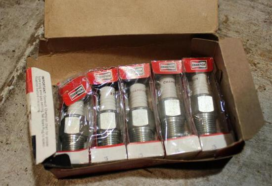 NOS Spark Plugs - Ford Model T