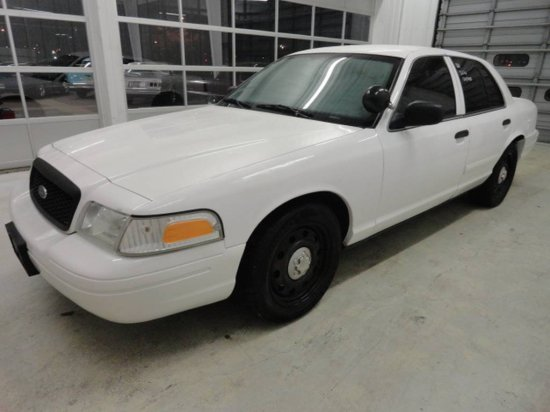 "2006 FORD CROWN VICTORIA ""POLICE EDITION"""