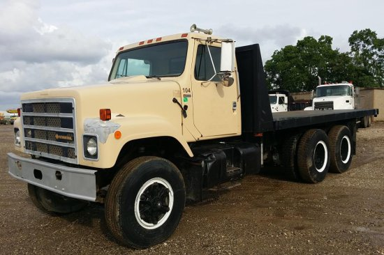 1978 International F-2574 Tandem Axle Flat Bed