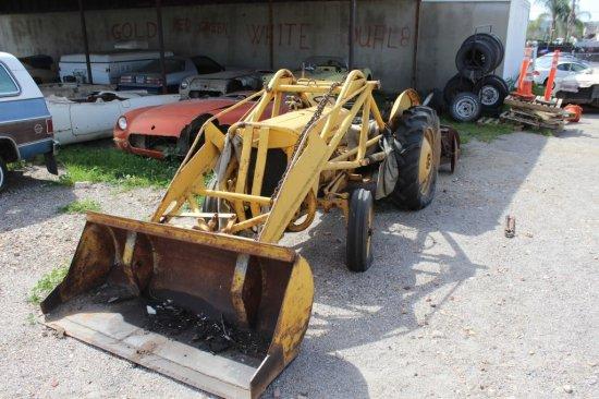 Tractor: Massey Ferguson MF35