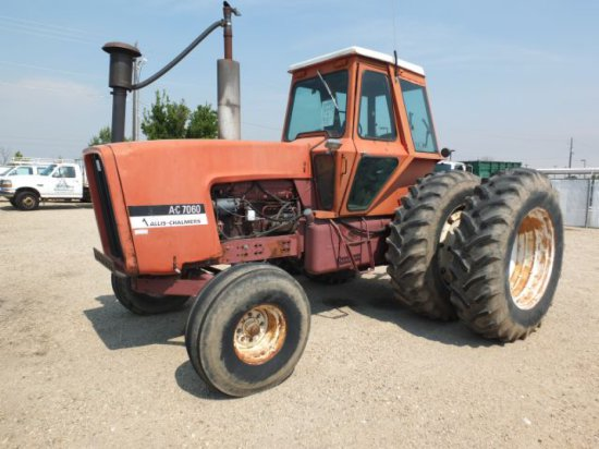 Allis Chalmers Tractor, Model AC7060