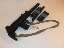IMI UZI SEMI AUTO MODEL A 9MM WITH 6 MAGS AND CASE
