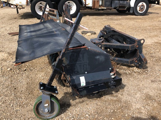 CAT BA18 SKID STEER BROOM 7'