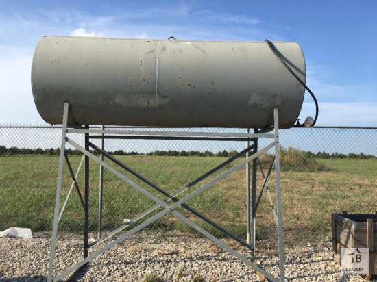 750Gal Fuel Tank & Stand [Yard 1: Anna, TX]
