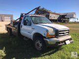 2000 Ford F550 Super Duty 1 Ton Dual Wheel Single Cab Flatbed Truck [Yard 2: Snyder, TX]