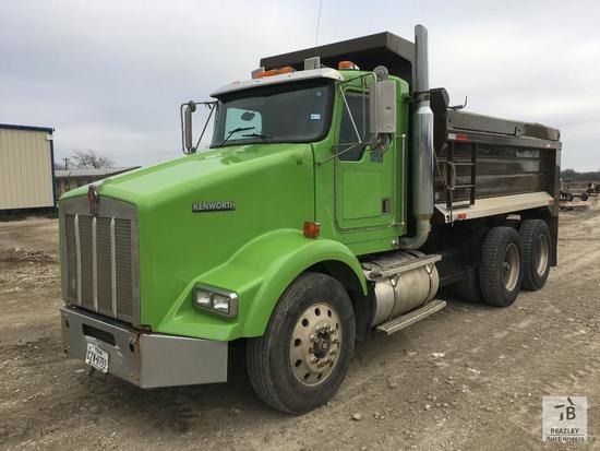 2001 Kenworth T800B T/A Dump Truck