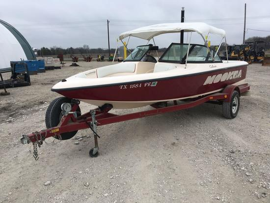 1998 Moomba Cutback 21 ft 6 in Powerboat