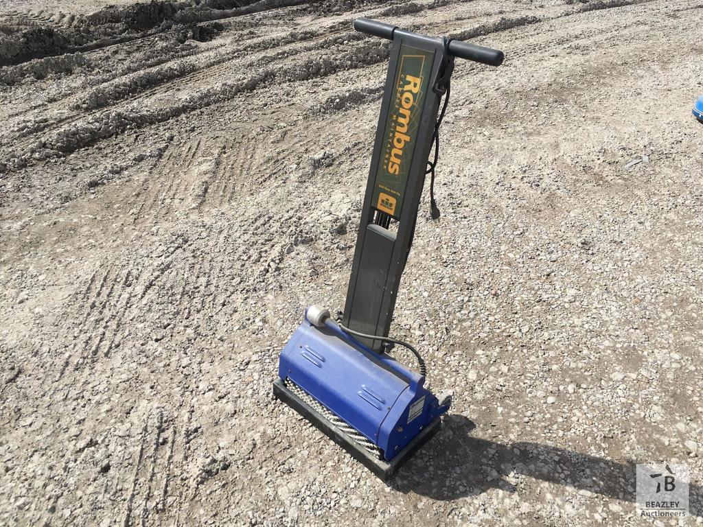 Windsor Rombus Carpet Maintenance Machine